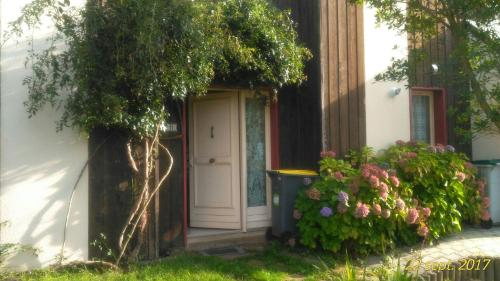 Maison La Chapelle : Bed and Breakfast near Saint-Brieuc-des-Iffs