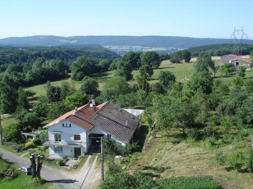 gite Loca : Guest accommodation near Goux-lès-Dambelin