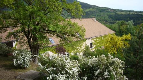 Auberge du Goutarou : Guest accommodation near Prunières