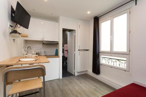 Studette de charme neuve proche invalides (D02) : Apartment near Paris 7e Arrondissement