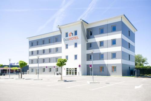 Dios Hotel : Hotel near Montberon