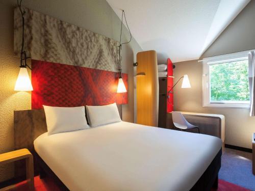 ibis Velizy Jouy-En-Josas : Hotel near Toussus-le-Noble