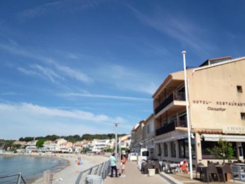 Hotel Chanteplage : Hotel near Saint-Cyr-sur-Mer