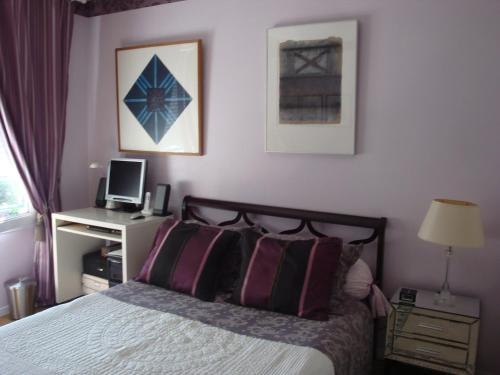 B&B Fontenay aux roses : Bed and Breakfast near Bagneux