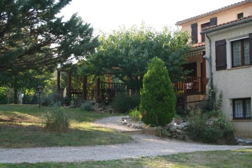 Les Eaux Tranquilles : Bed and Breakfast near Quillan