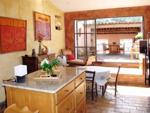 Ferienhaus Nyons 120S : Guest accommodation near Aubres