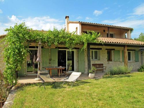 Ferienhaus La Begude-de-Mazenc 115S : Guest accommodation near Souspierre