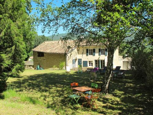 Ferienhaus Dieulefit 120S : Guest accommodation near Souspierre
