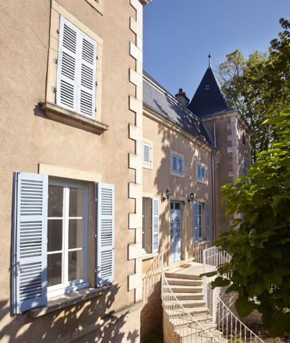 Manoir de Puyval : Guest accommodation near Chamilly