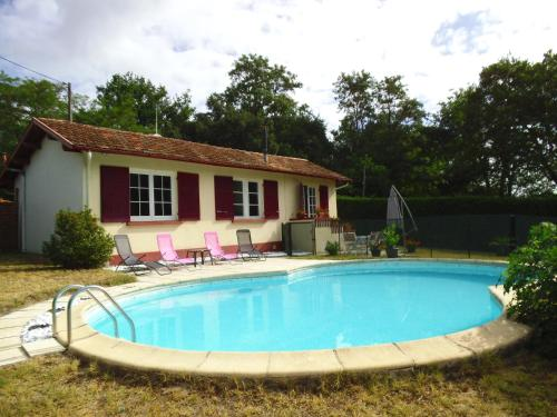 maison vacances : Guest accommodation near Beauziac