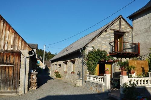 les trois monts : Guest accommodation near Arcizac-ez-Angles