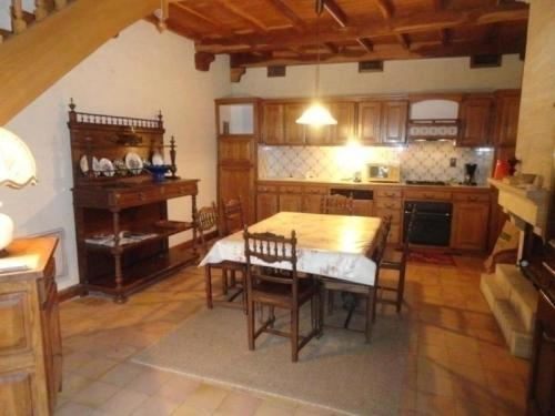 House Saint-vincent-rive-d'olt - 5 pers, 110 m2, 4/3 : Guest accommodation near Sauzet