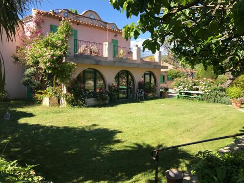 La Bastide Dambrine : Guest accommodation near Évenos