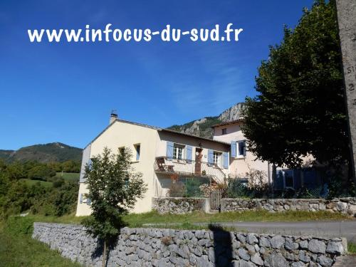 Infocus-Du-Sud : Bed and Breakfast near Roquefixade