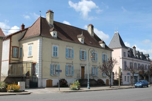 Chambres d'hôtes La Distillerie B&B : Bed and Breakfast near Saint-Bonnet-en-Bresse