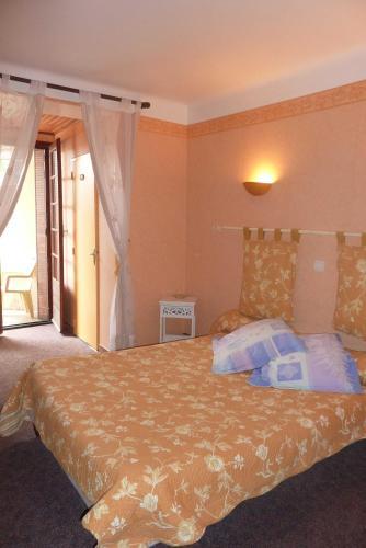 Hotel Font De Lauro : Hotel near Fontaine-de-Vaucluse