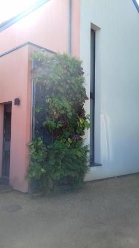 Maison passive et d'architecte : Guest accommodation near Orvault