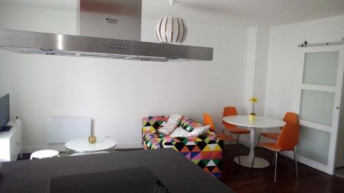 Providence : Apartment near Mons