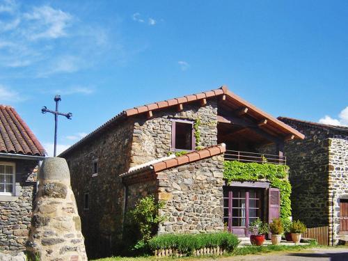 Ferienhaus Blassac 100S : Guest accommodation near Saint-Pal-de-Senouire
