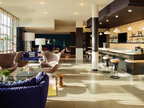 Mercure Lyon Genas Eurexpo : Hotel near Jons