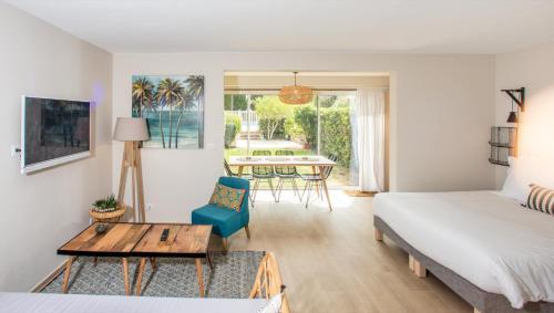 APPARTEMENTS 10 & 11 BY HOTEL DES LICES : Apartment near Saint-Tropez