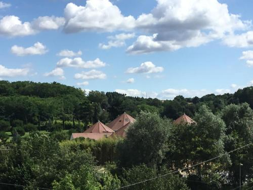 Le petit secret : Guest accommodation near Gehée