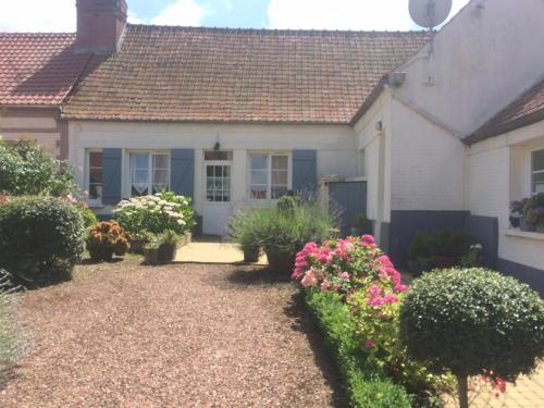Le 25 : Guest accommodation near Nesle-Normandeuse