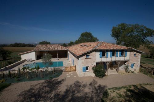 Un Air de Famille : Guest accommodation near Savenès