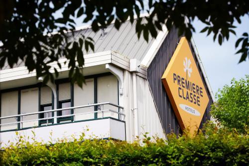 Premiere Classe SETE - Balaruc : Hotel near Poussan