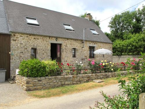 Ferienhaus Fierville-les-Mines 400S : Guest accommodation near Saint-Pierre-d'Arthéglise