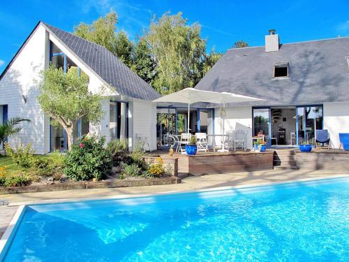 Ferienhaus Mesquer 300S : Guest accommodation near Saint-Molf