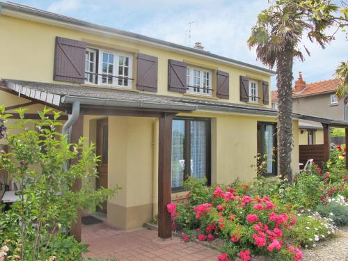 Ferienhaus Barneville Carteret 402S : Guest accommodation near Saint-Pierre-d'Arthéglise