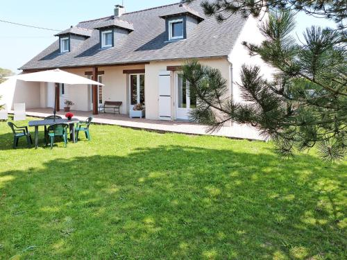 Ferienhaus Glatigny 400S : Guest accommodation near Lessay