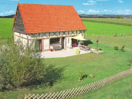 Ferienhaus Chalandrey 400S : Guest accommodation near Saint-Georges-de-Reintembault