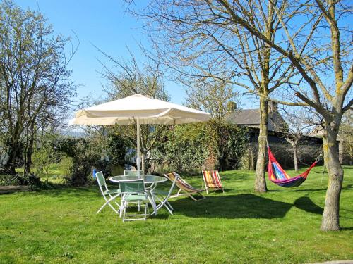 Ferienhaus Curcy-sur-Orne 400S : Guest accommodation near Saint-Vigor-des-Mézerets