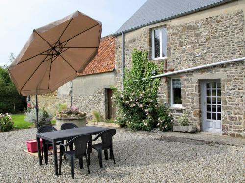 Ferienhaus Le Mesnil 403S : Guest accommodation near Saint-Sauveur-de-Pierrepont