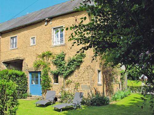 Ferienhaus Saint Martin-de-Cenilly 100S : Guest accommodation near Chevry