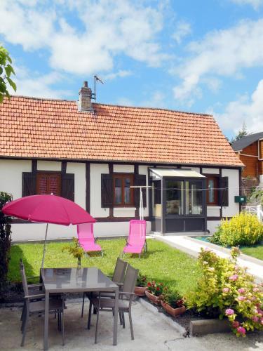 Ferienhaus Mesnières-en-Bray 400S : Guest accommodation near Campneuseville