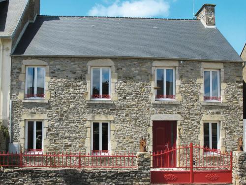 Ferienhaus Portbail 401S : Guest accommodation near Neufmesnil
