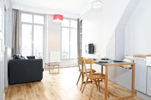 Private Apartment - Palais Royal - Louvre Museum : Apartment near Paris 2e Arrondissement