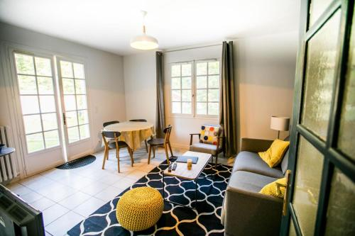 Magnolia Cottage : Guest accommodation near Saint-Ouen-l'Aumône