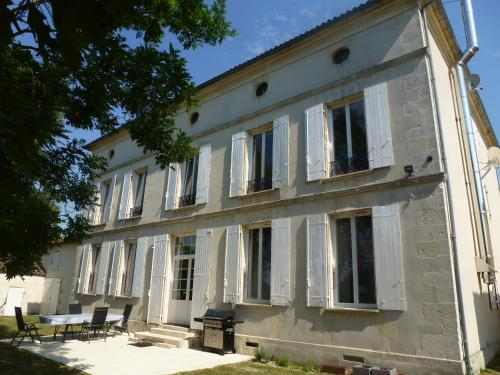 Petit Champagne : Guest accommodation near Saint-Julien-de-l'Escap