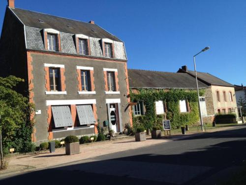Quatre Saisons : Bed and Breakfast near Villosanges