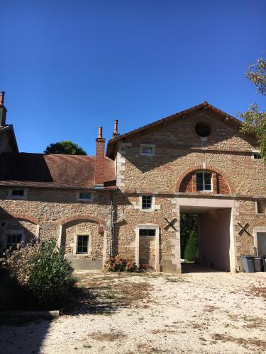 Maison de caractère : Guest accommodation near Pourlans