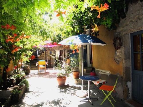 Chez Clairotte : Guest accommodation near Cannes-et-Clairan