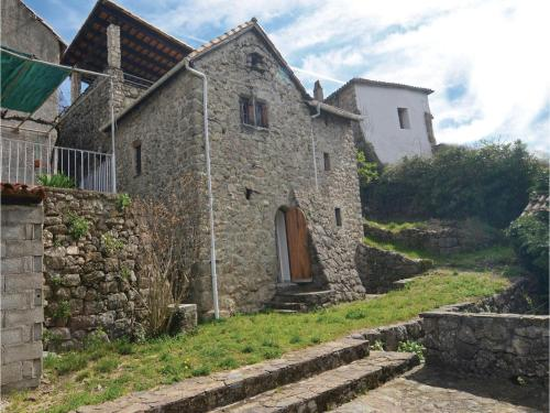 Three-Bedroom Holiday Home in S-Andre-de-Majoencoul. : Guest accommodation near Le Vigan