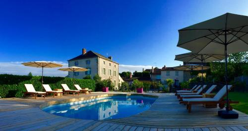 Maison hirondelles : Bed and Breakfast near Lesterps