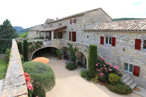 Chambres d'hôtes de Charme La Bastide Du Vigneron : Bed and Breakfast near Saint-Maurice-d'Ibie