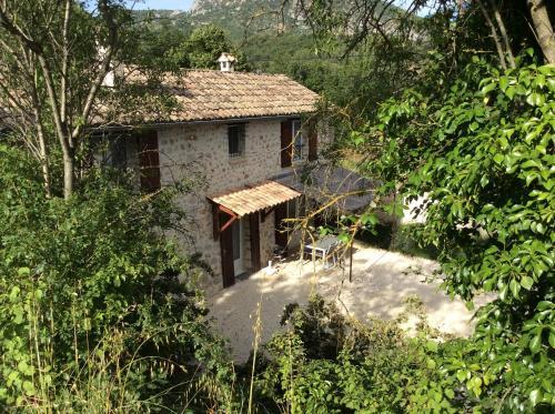 Le Mas des Vignes : Guest accommodation near Eyroles