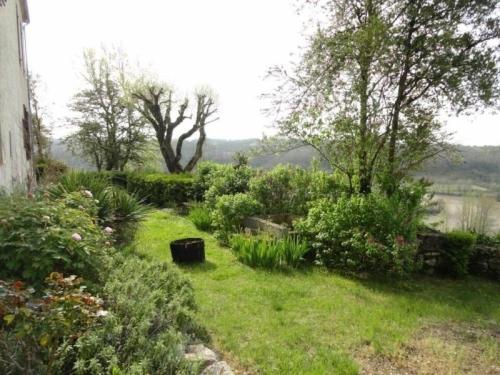 House Valprionde - 6 pers, 210 m2, 4/3 : Guest accommodation near Saint-Laurent-Lolmie